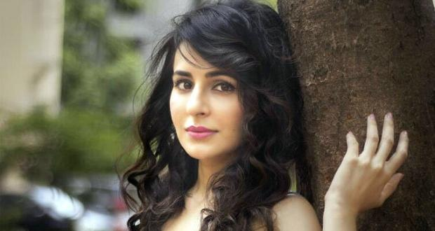Zing channel's Pyaar Tune Kya Kiya casts actress Roop Durgapal